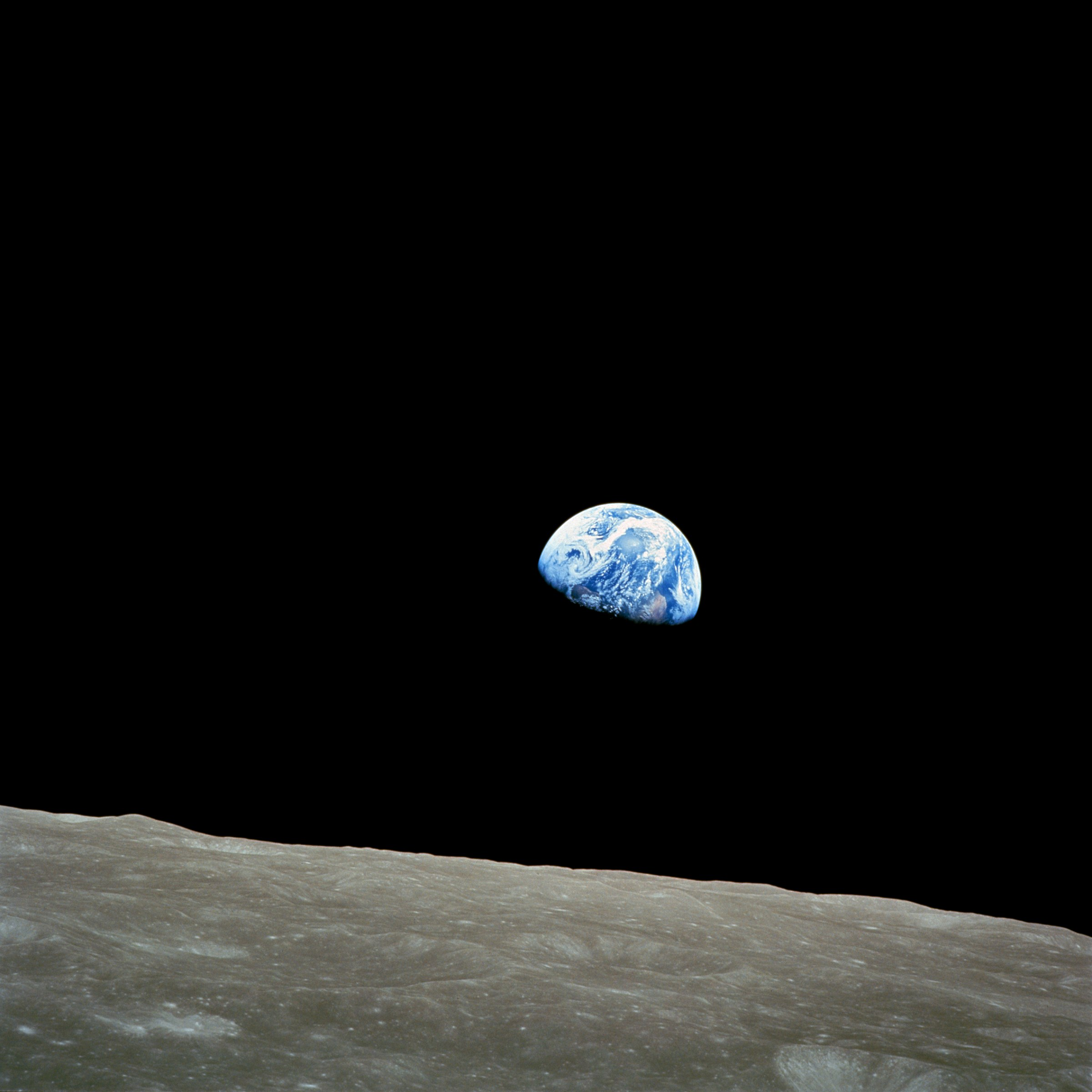 Taken by Apollo 8 crewmember Bill Anders on December 24, 1968, at mission time 075:49:07 [1] (16:40 UTC), source: https://commons.wikimedia.org/wiki/File:NASA-Apollo8-Dec24-Earthrise.jpg